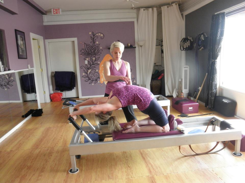 how to become a reformer pilates instructor